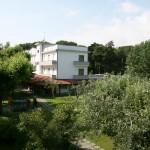 L'hotel tra il verde